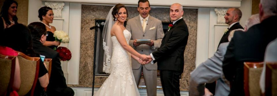 The Pros and Cons of Having a Friend Serve As Your Officiant