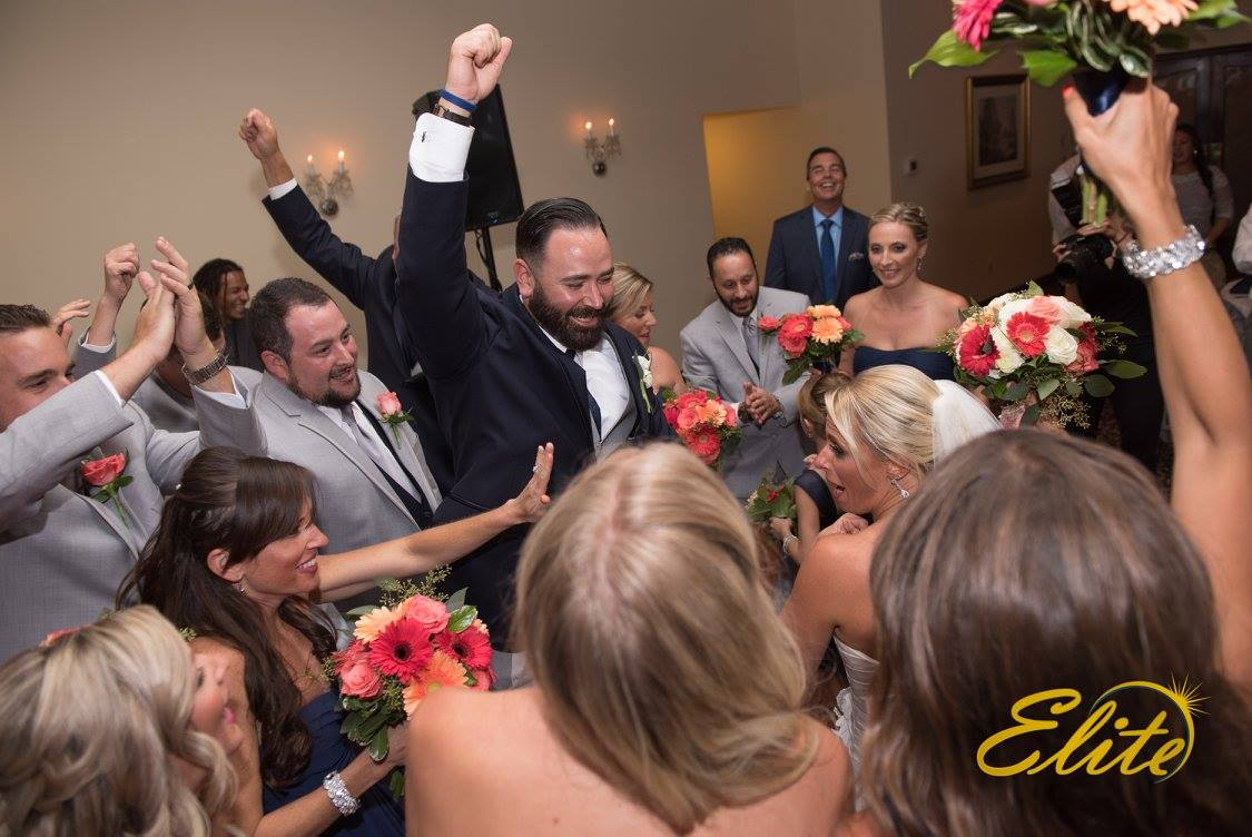 EliteEntertainment_NJWedding_EliteDigitalImages_LobsterShantyo