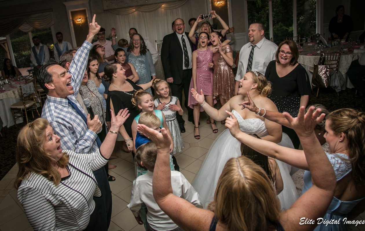 Elite Entertainment_ NJWedding_ EliteDigitalImages_EnglishManor_Cassidy and Dennis8 Mike Walter