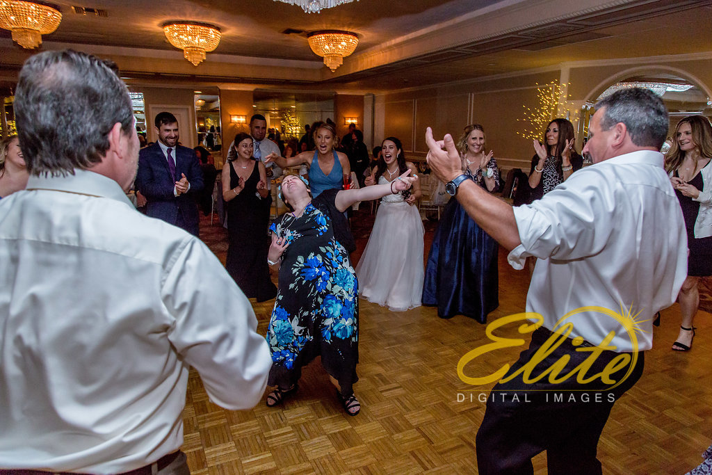 Elite Entertainment_ NJ Wedding_ Elite Digital Images_Doolans Shore Club in Spring Lake_Leanna and George (10)