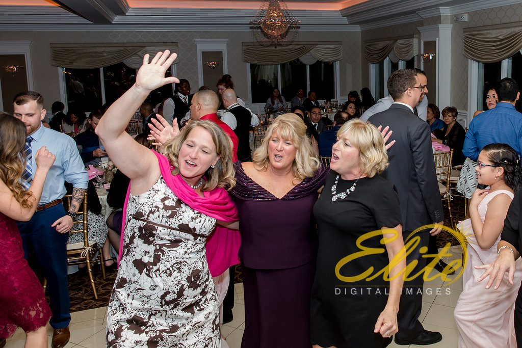 Elite Entertainment_ NJ Wedding_ Elite Digital Images_English Manor_Maria and Ryan (14)