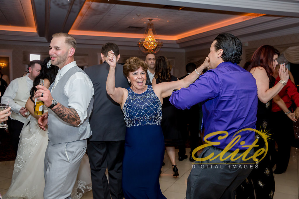 Elite Entertainment_ NJ Wedding_ Elite Digital Images_English Manor_Maria and Ryan (5)