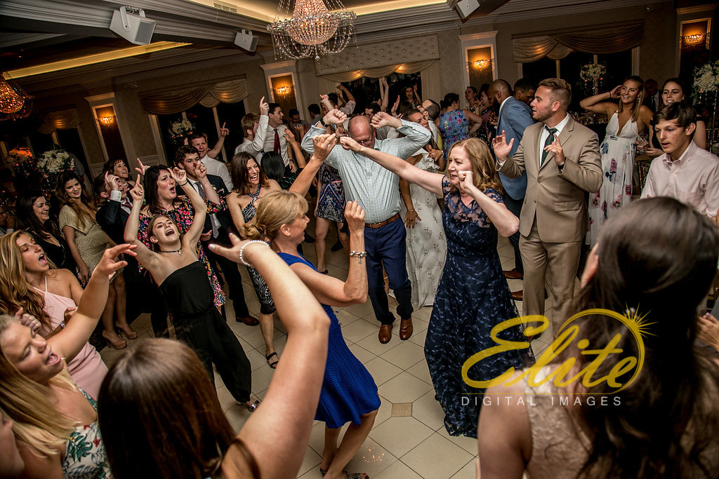 Elite Entertainment_ NJ Wedding_ Elite Digital Images_English Manor_Kristen and Conner (11)