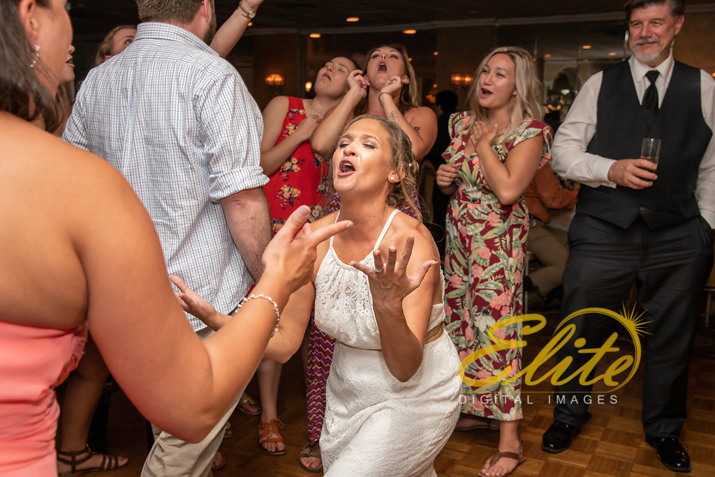 Elite Entertainment_ NJ Wedding_ Elite Digital Images_Doolans Shore Club in Spring Lake_Erin and Frank (12)