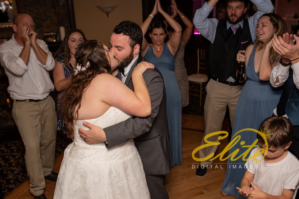 Elite Entertainment_ NJ Wedding_ Elite Digital Images_Buttonwood Manor_Amy and Nicholas (10)