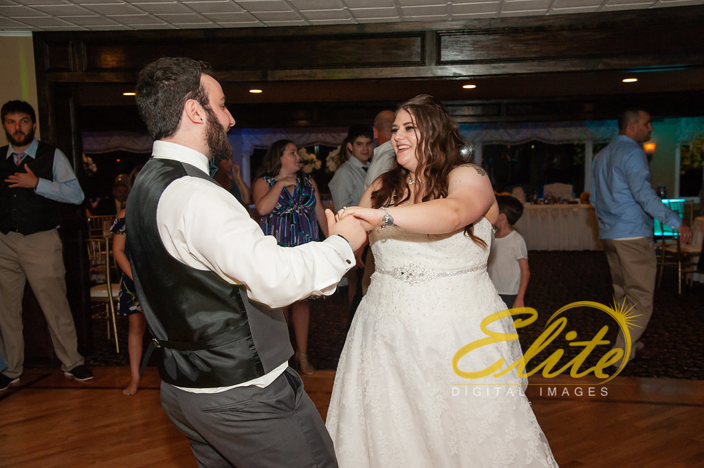 Elite Entertainment_ NJ Wedding_ Elite Digital Images_Buttonwood Manor_Amy and Nicholas (7)