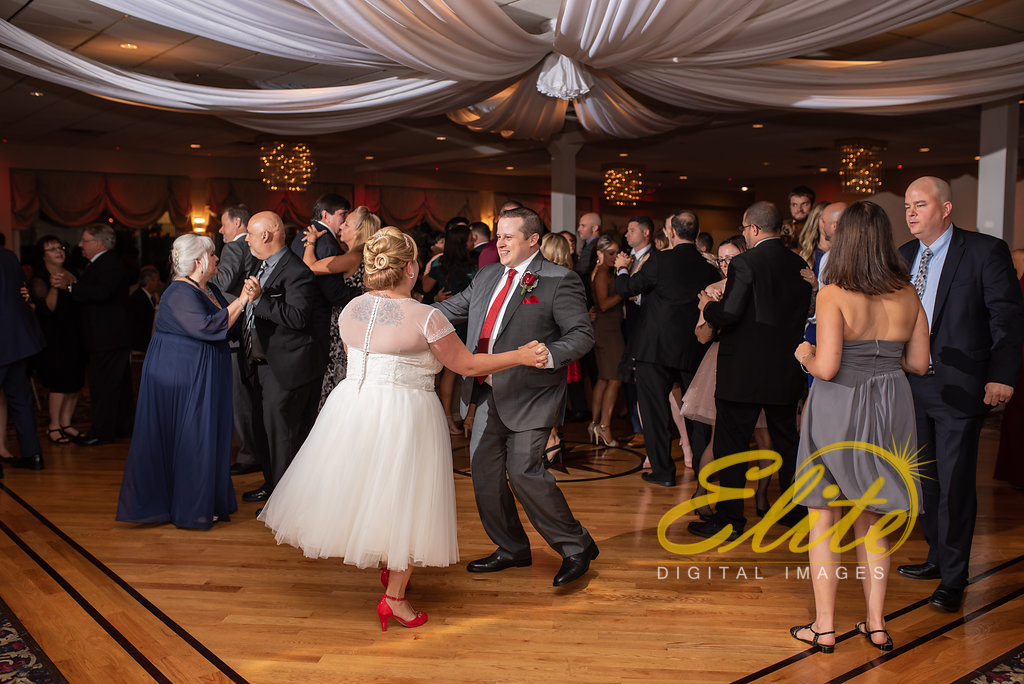 Elite Entertainment_ NJ Wedding_ Elite Digital Images_Crystal Point, Point Pleasant _ Amber and Rob (5)