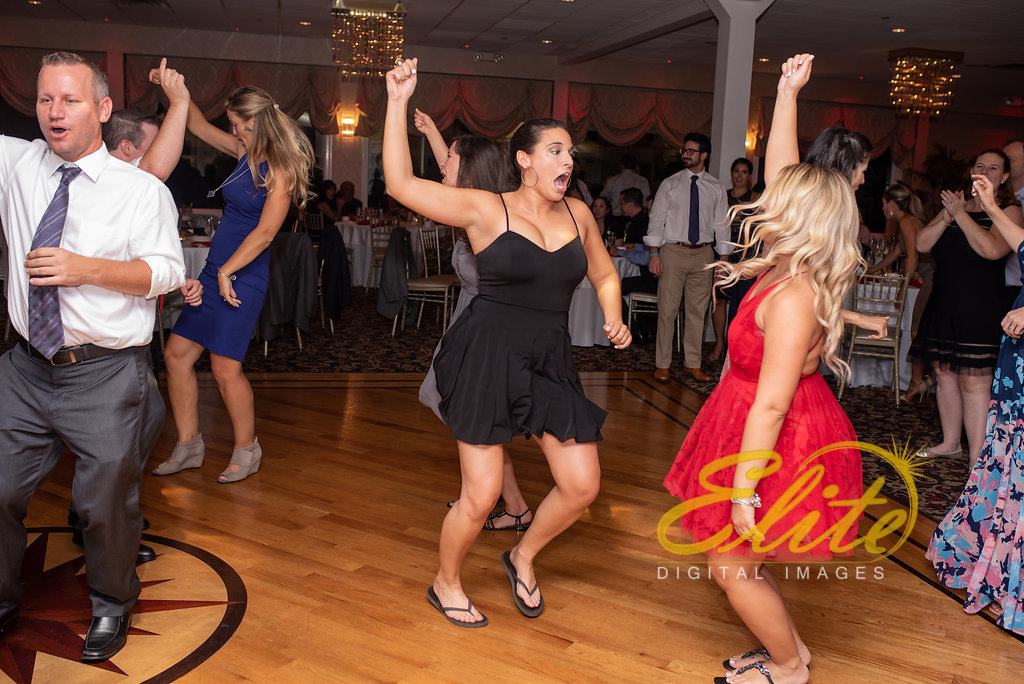 Elite Entertainment_ NJ Wedding_ Elite Digital Images_Crystal Point, Point Pleasant _ Amber and Rob (9)