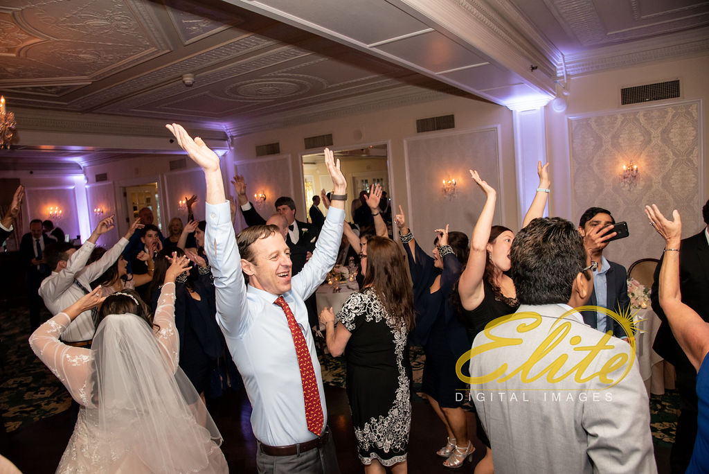 Elite Entertainment_ NJ Wedding_ Elite Digital Images_Molly Pitcher in Red Bank_Carolyn and Chris (12)