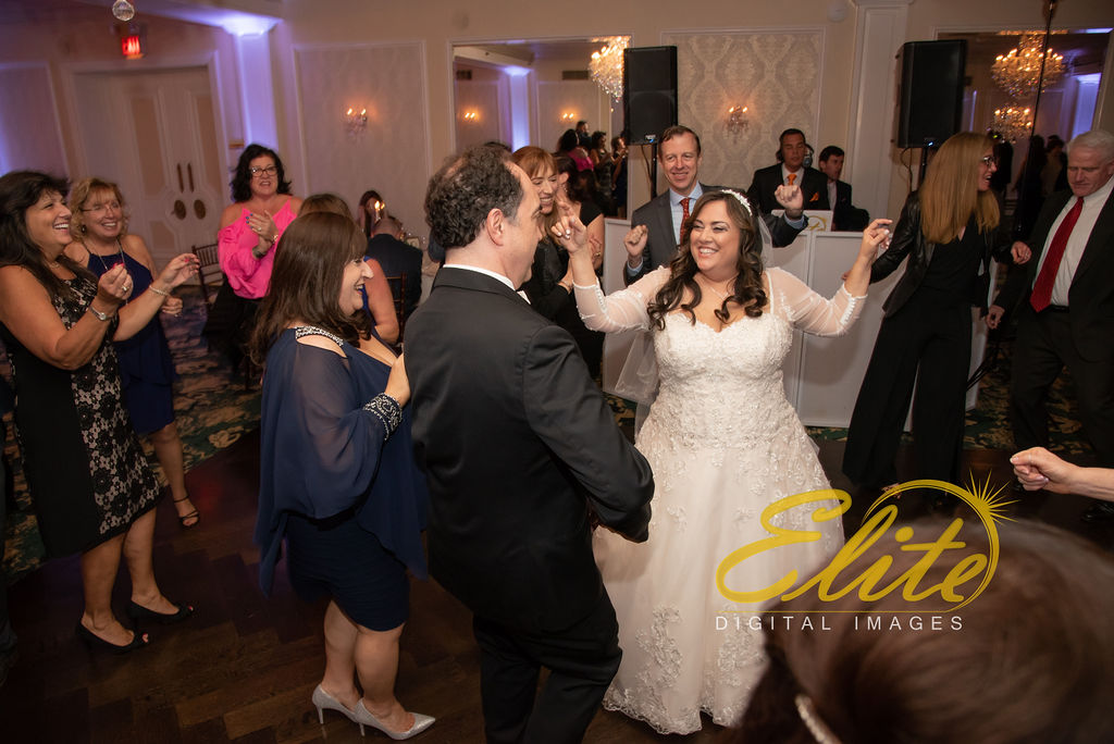 Elite Entertainment_ NJ Wedding_ Elite Digital Images_Molly Pitcher in Red Bank_Carolyn and Chris (4)