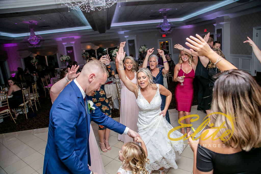 Elite Entertainment_ NJ Wedding_ Elite Digital Images_English Manor_Barbara and Scott (3)