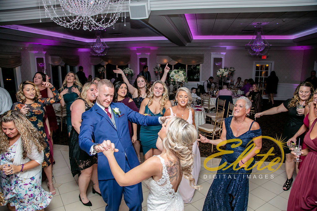 Elite Entertainment_ NJ Wedding_ Elite Digital Images_English Manor_Barbara and Scott (4)