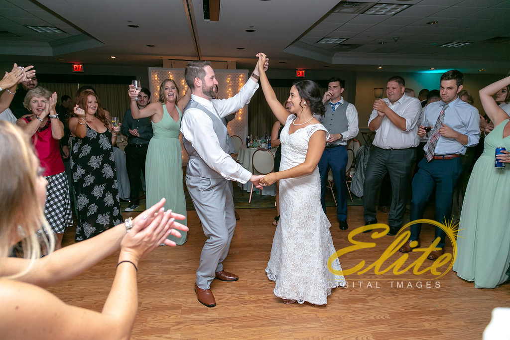 Elite Entertainment_ NJ Wedding_ Elite Digital Images_Holiday Inn Manahawkin (1)
