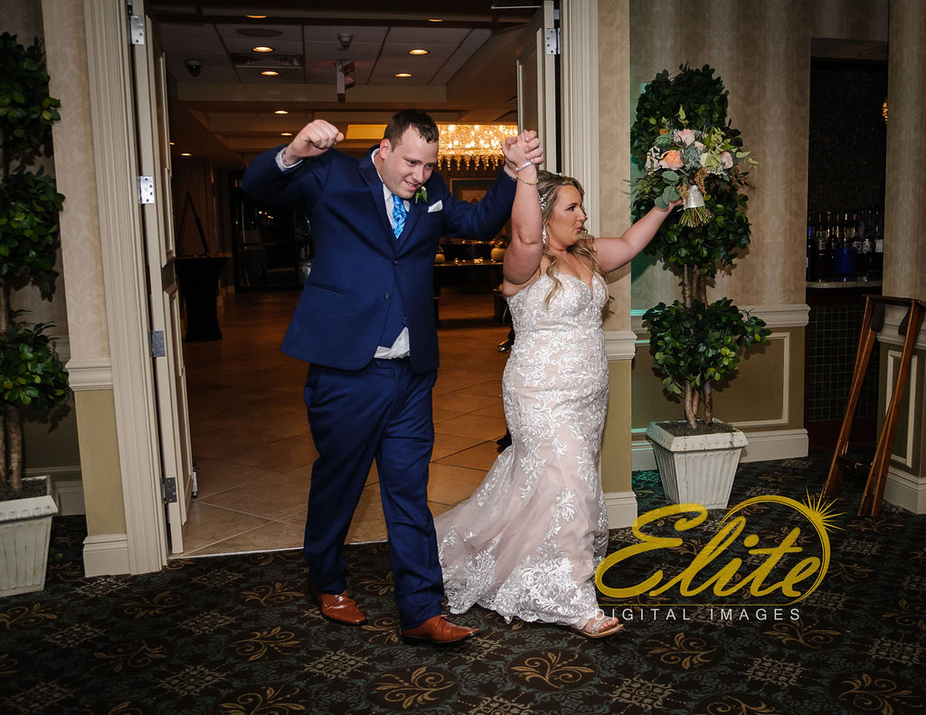 Elite Entertainment_ NJWedding_ EliteDigitalImages_DoubleTree_Darcy and Tom (2)