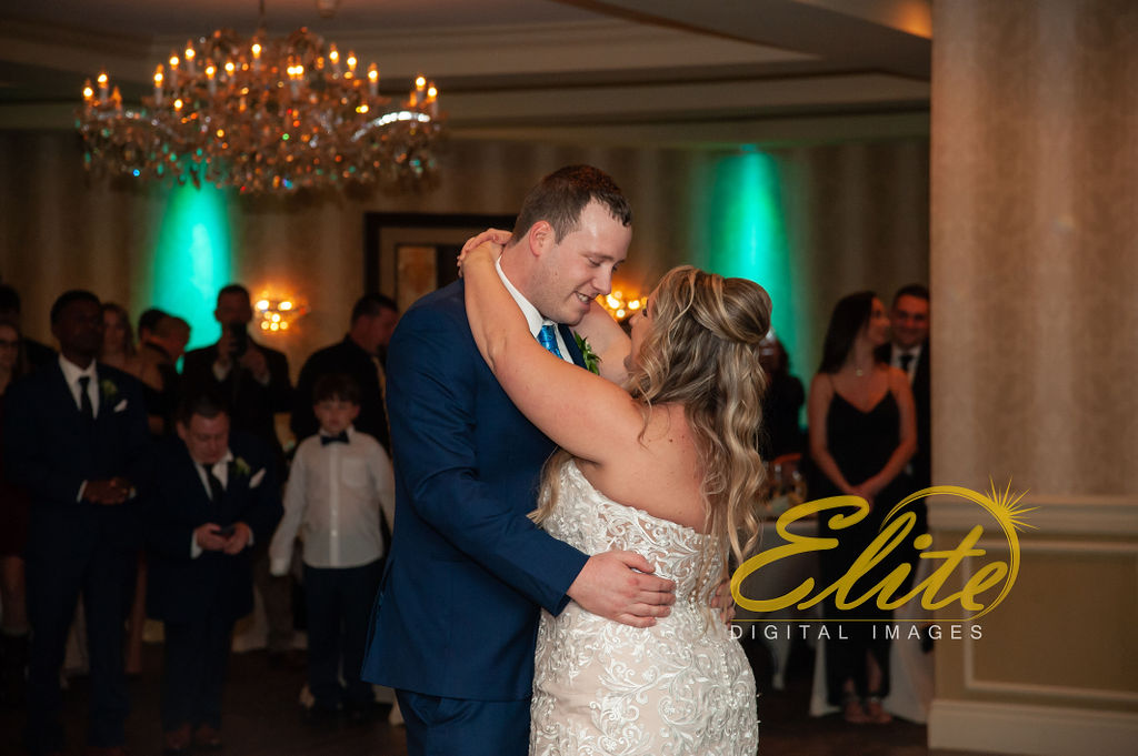 Elite Entertainment_ NJWedding_ EliteDigitalImages_DoubleTree_Darcy and Tom (3)