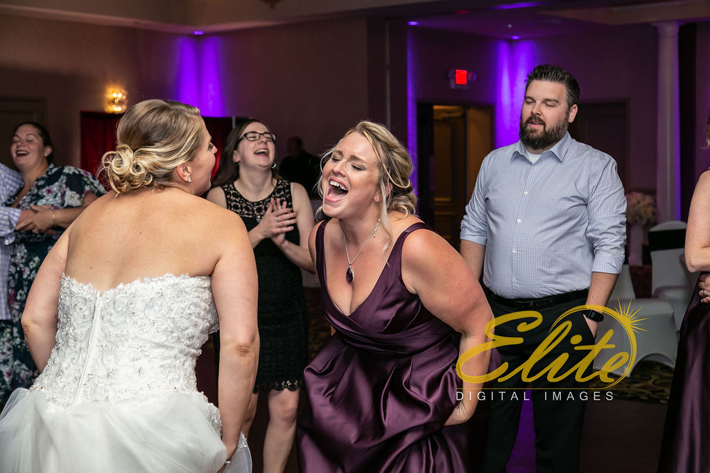 EliteEntertainment_NJWedding_EliteImages_RamadaTomsRiver_VersaillesBallroom_Colleen and Wayne 10.21 (11)