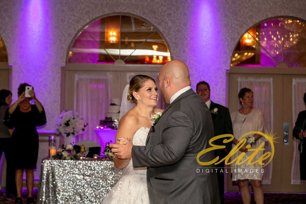 EliteEntertainment_NJWedding_EliteImages_RamadaTomsRiver_VersaillesBallroom_Colleen and Wayne 10.21 (2)