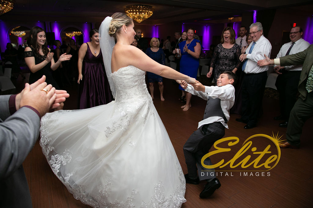 EliteEntertainment_NJWedding_EliteImages_RamadaTomsRiver_VersaillesBallroom_Colleen and Wayne 10.21 (3)