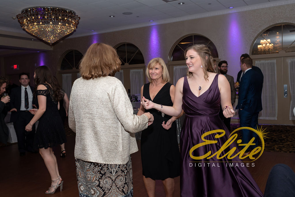 EliteEntertainment_NJWedding_EliteImages_RamadaTomsRiver_VersaillesBallroom_Colleen and Wayne 10.21 (5)