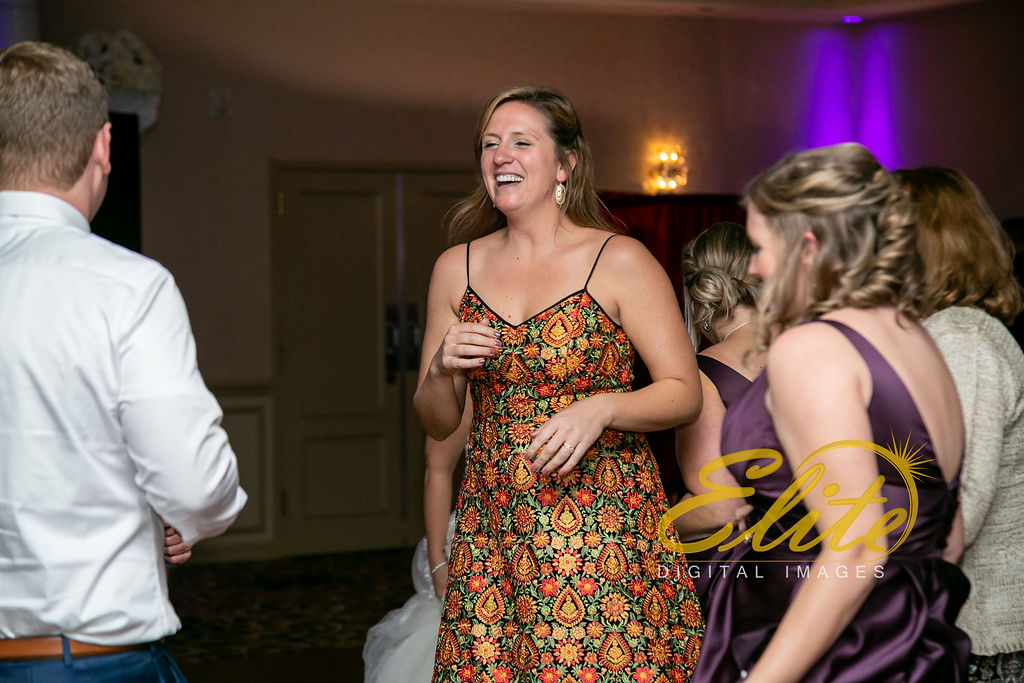 EliteEntertainment_NJWedding_EliteImages_RamadaTomsRiver_VersaillesBallroom_Colleen and Wayne 10.21 (6)