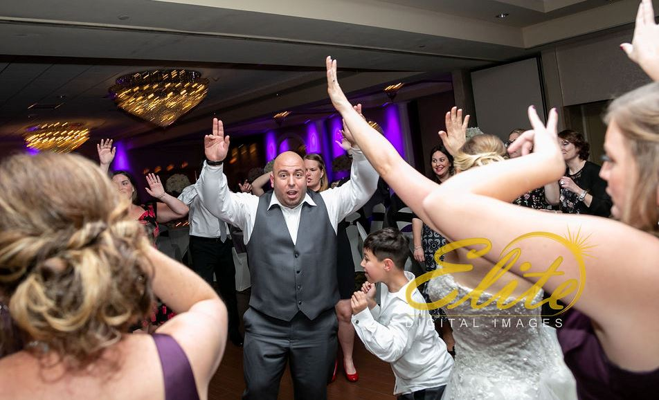 EliteEntertainment_NJWedding_EliteImages_RamadaTomsRiver_VersaillesBallroom_Colleen and Wayne 10.21 (8)