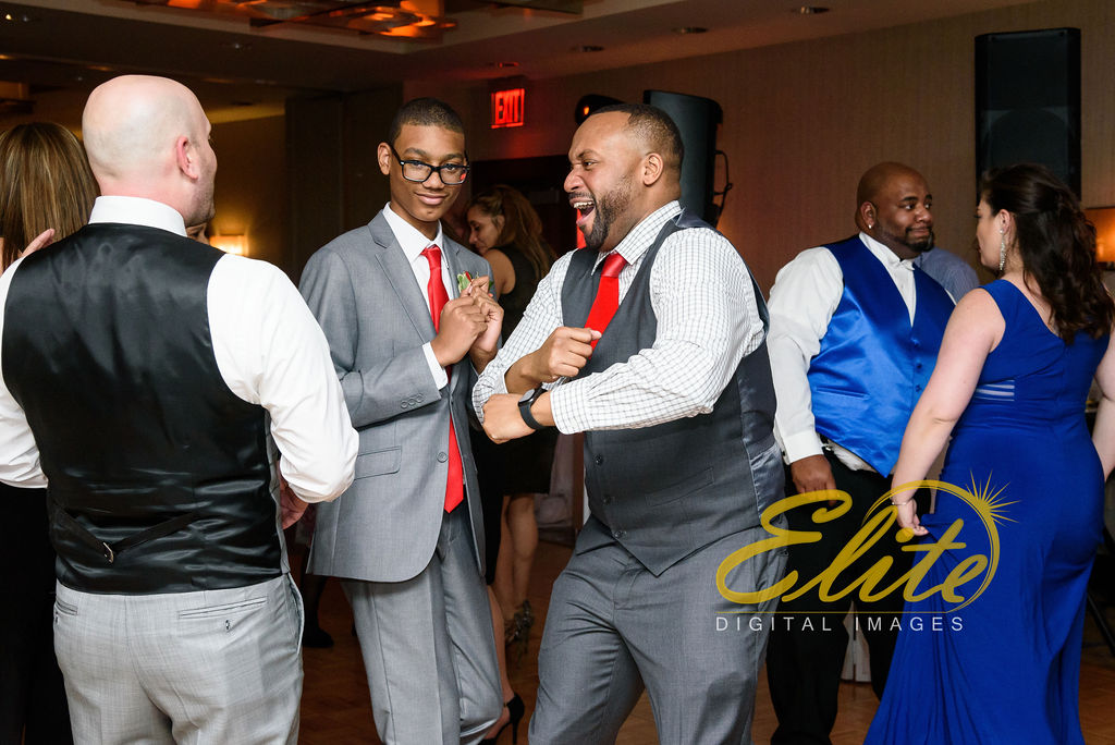 Elite Entertainment_ NJWedding_ EliteDigitalImages__ Westin Newport Hotel Jersey City_Shirley and Clint (5)