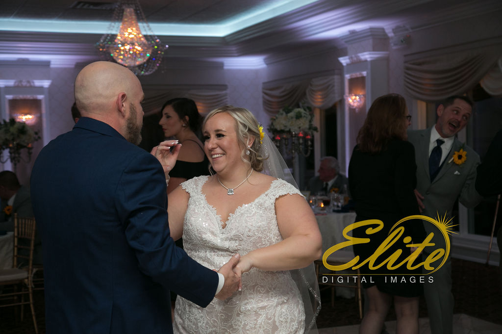 Elite Entertainment_ NJ Wedding_ Elite Digital Images_English Manor_Jessica and Darren (4)