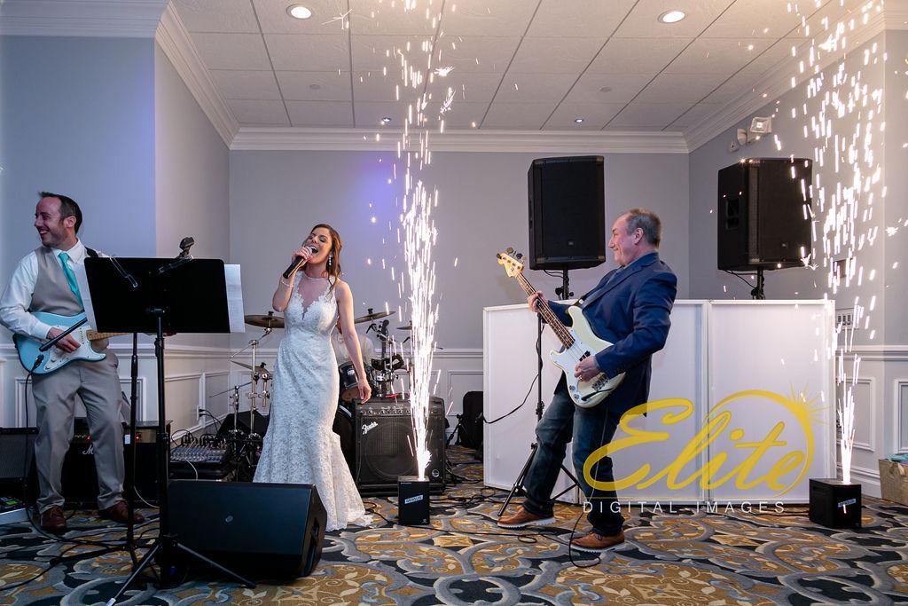 Elite Entertainment_ NJ Wedding_ Elite Digital Images_Crystal Point, Point Pleasant _Dan and Melanie (26)
