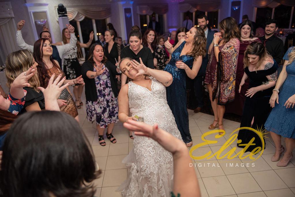 Elite Entertainment_ NJ Wedding_ Elite Digital Images_English Manor_Amber and Michael (17)
