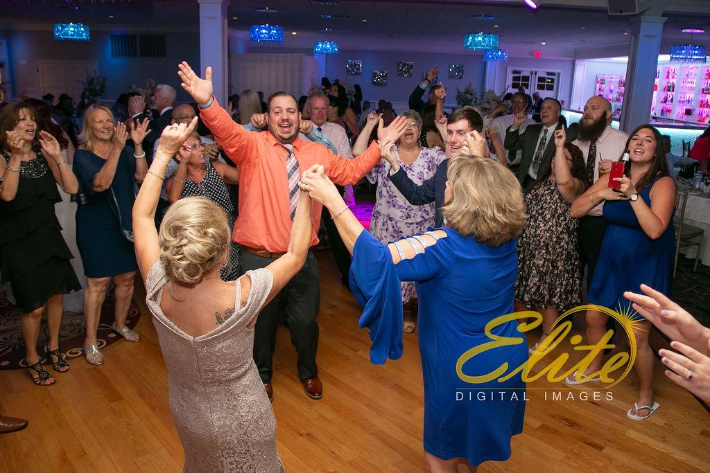 Elite Entertainment_ NJ Wedding_ Elite Digital Images_Crystal Point, Point Pleasant _Toni and Mike_06_08_19 (8)