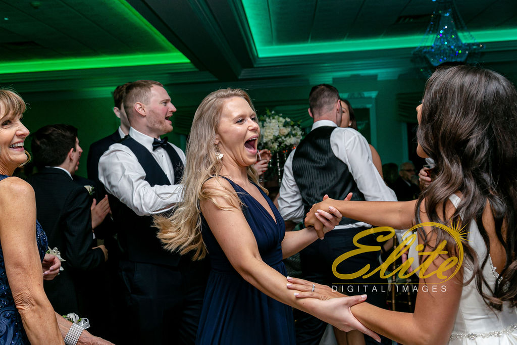 Elite Entertainment_ NJ Wedding_ Elite Digital Images_English Manor_Alyson and Travis_042719 (11)