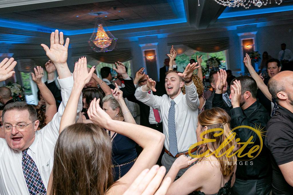 Elite Entertainment_ NJ Wedding_ Elite Digital Images_English Manor_Alyson and Travis_042719 (5)