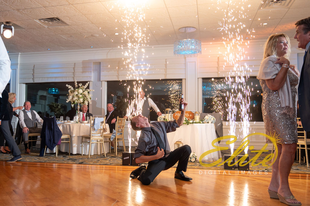 Elite Entertainment_ NJ Wedding_ Elite Digital Images_Crystal Point, Point Pleasant _Alicia and Dillon_09_15_19 (7)