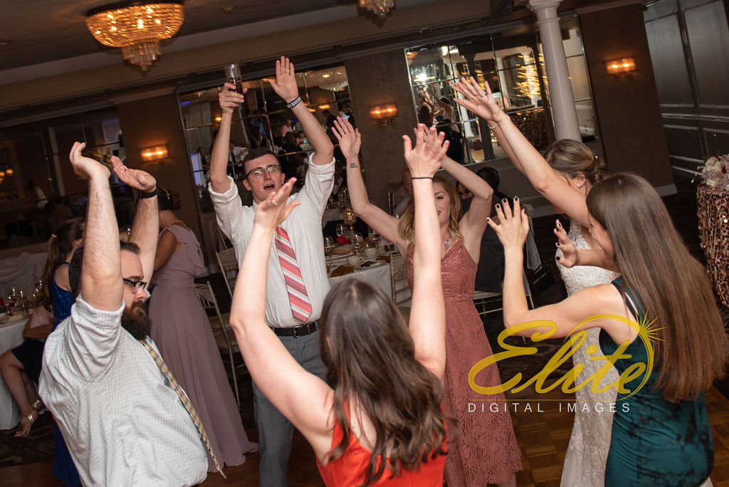 Elite Entertainment_ NJ Wedding_ Elite Digital Images_Doolans Shore Club in Spring Lake_Kristina and David_ 072619 (17)