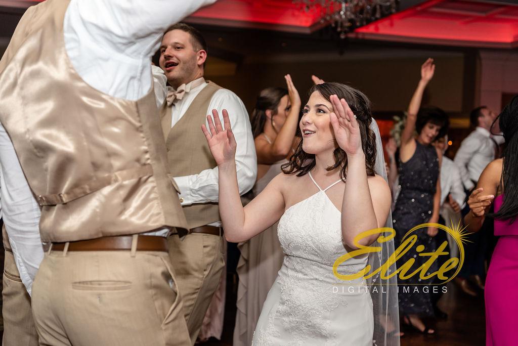 Elite Entertainment_ NJ Wedding_ Elite Digital Images_Clarks Landing_ Lauren and Jake _ 09_01_19 (14)
