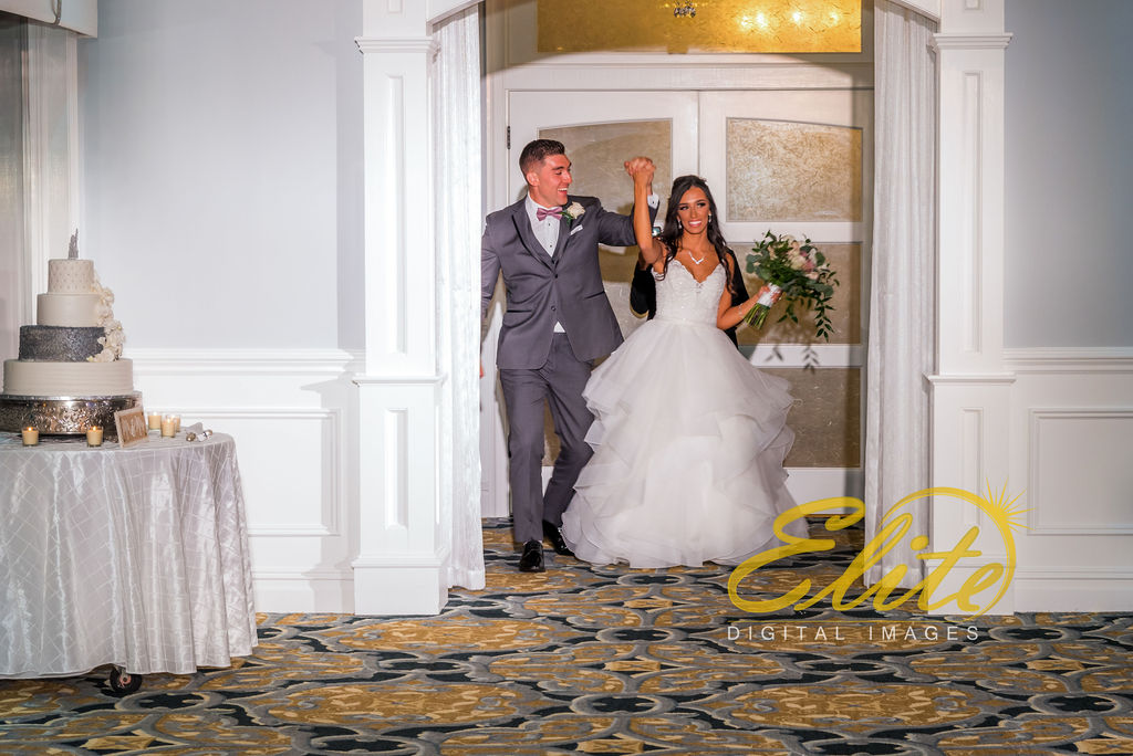 Elite Entertainment_NJ Wedding_Elite Digital Images_Crystal Point, Point Pleasant_GeannineAndMike_10_11_19_entrance