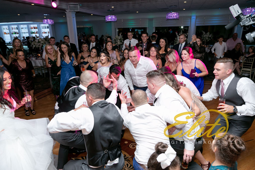 Elite Entertainment_NJ Wedding_Elite Digital Images_Crystal Point, Point Pleasant_GeannineAndMike_10_11_19_party 17