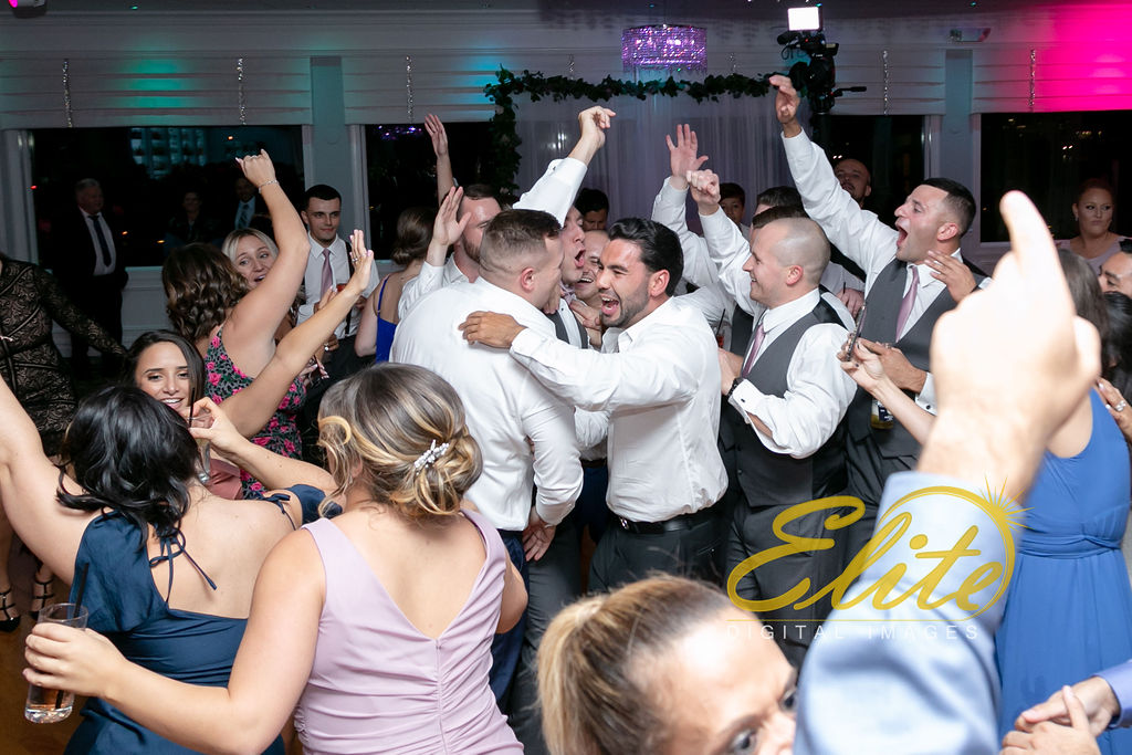 Elite Entertainment_NJ Wedding_Elite Digital Images_Crystal Point, Point Pleasant_GeannineAndMike_10_11_19_party 19