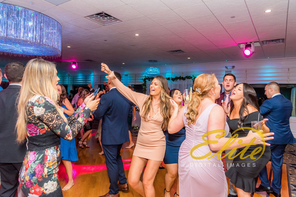 Elite Entertainment_NJ Wedding_Elite Digital Images_Crystal Point, Point Pleasant_GeannineAndMike_10_11_19_party 6