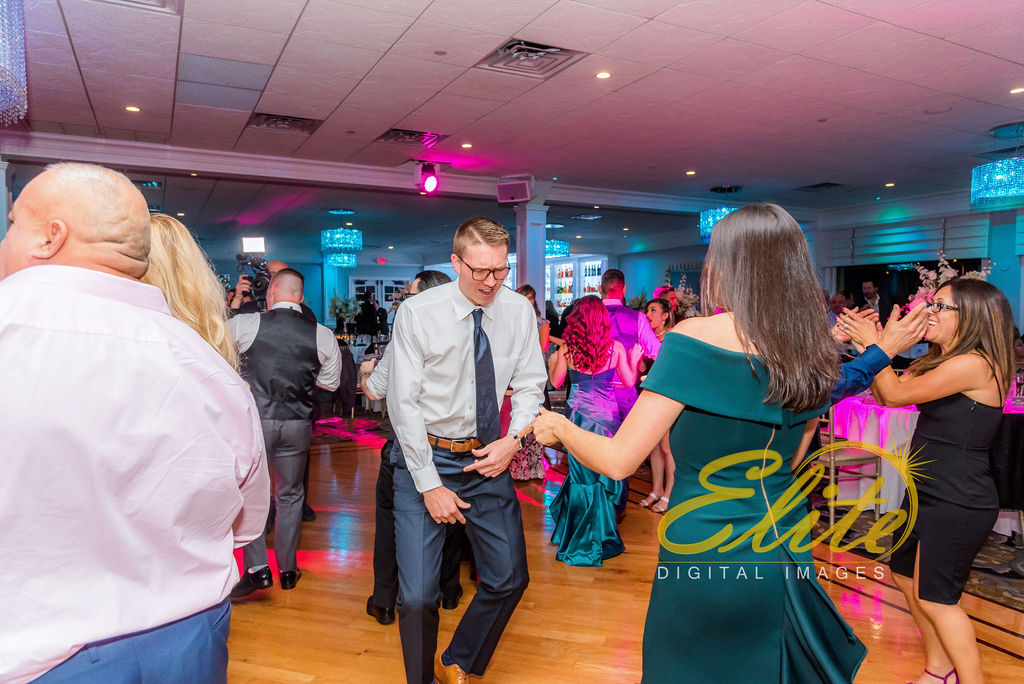 Elite Entertainment_NJ Wedding_Elite Digital Images_Crystal Point, Point Pleasant_GeannineAndMike_10_11_19_party 7